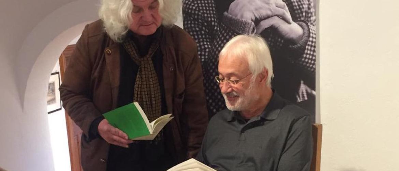Karl-Heinz Reimeier und Jakob Wünsch beim Lesen des Briefwechsel von Alfred Kubin